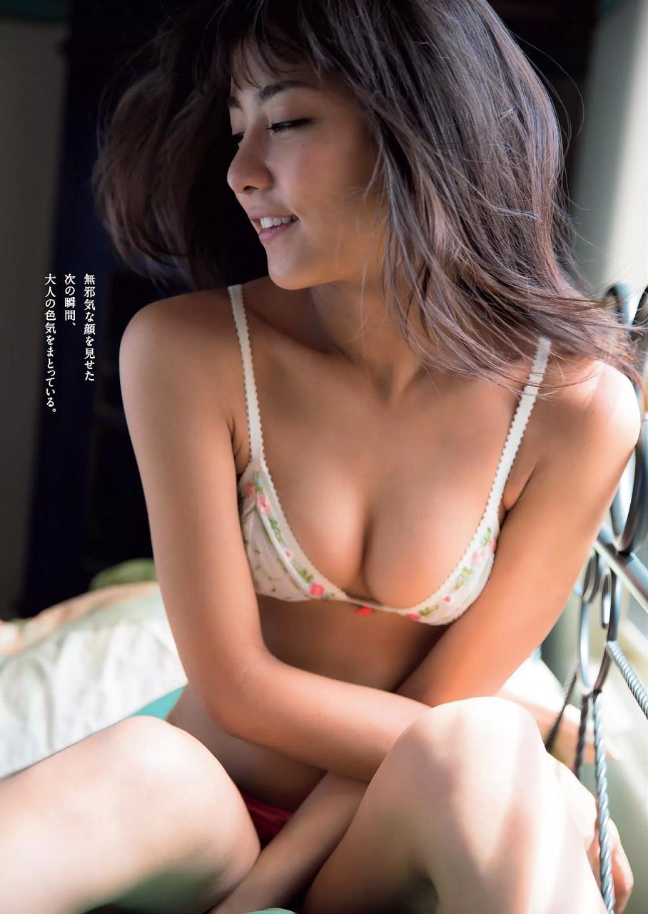 石川恋 画像