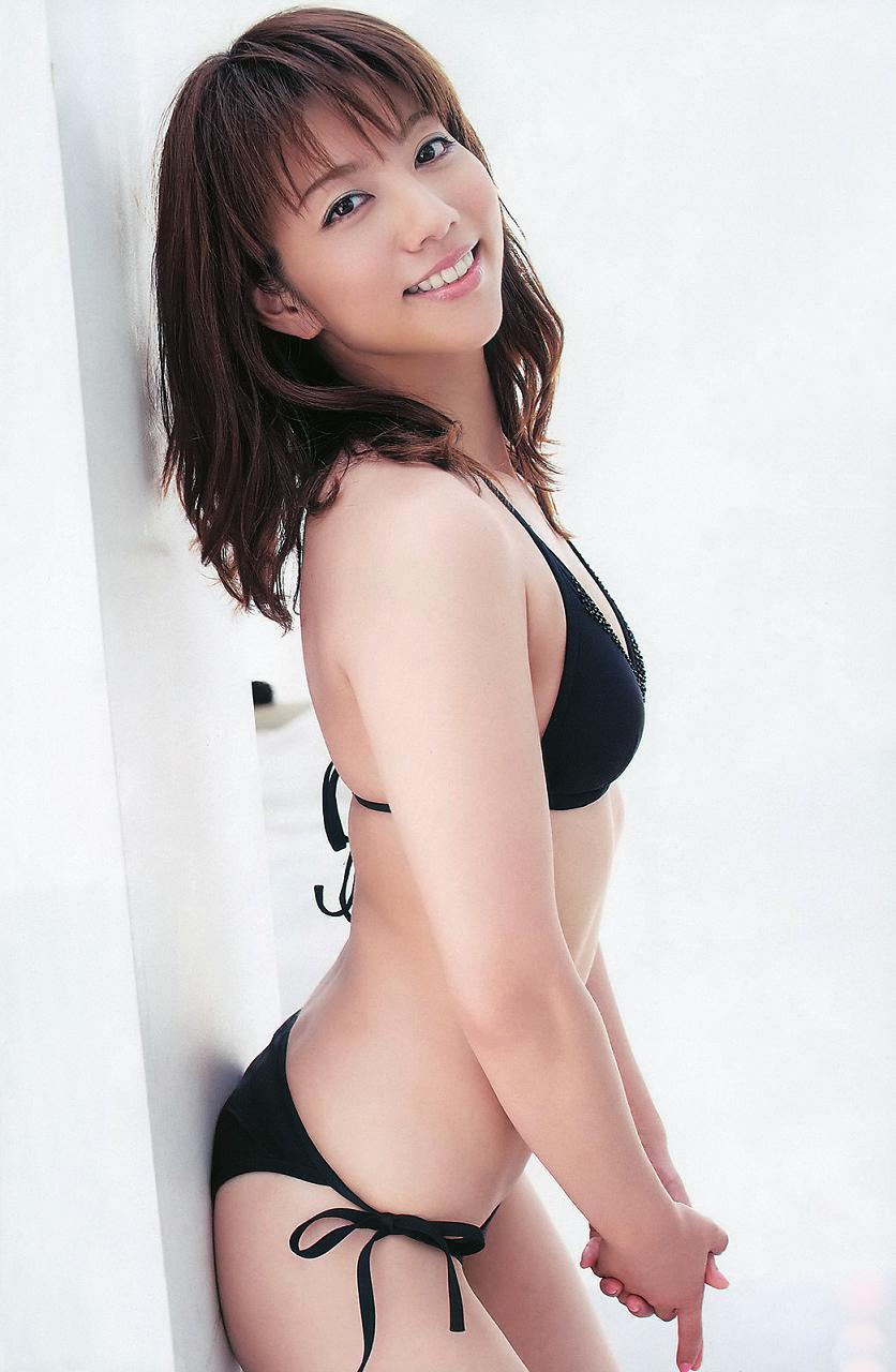 甲斐まり恵さんのビキニ