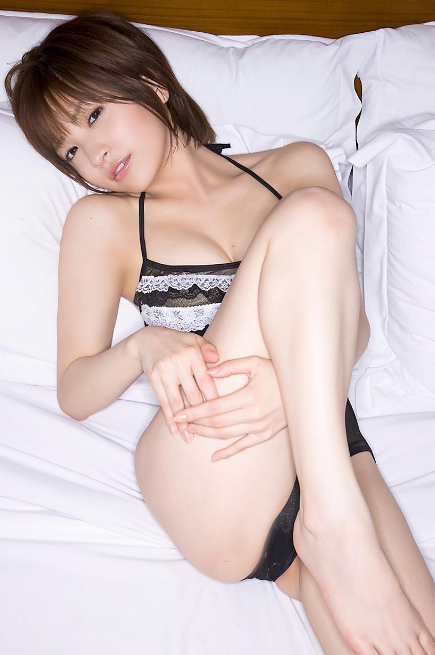 田中涼子さんのインナー姿